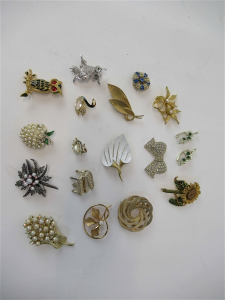 Group of Assorted Pins and Brooches